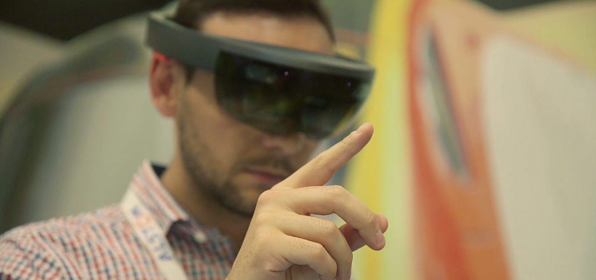 Smart Assistance augmented reality application by JoinPad for Alstom on HoloLens smart glasses